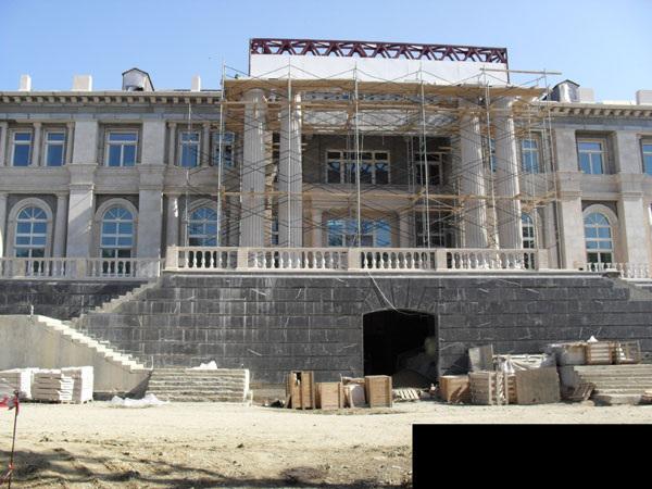 http://commons.wikimedia.org/wiki/File:Putin_palace_construction.jpg
